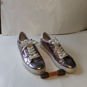 Tod's sneakers size 8.5(38.5) in EUC